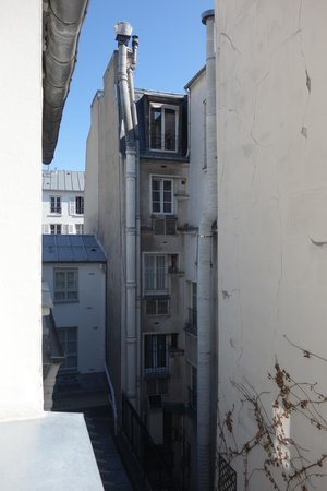 Hotel Thoumieux : View from room 16