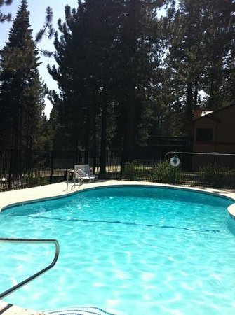 Huntington Lake, CA: pool at the condos 2013