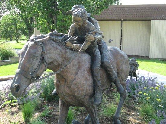Stuhr Museum of the Prairie Pioneer: Bronze sculpture