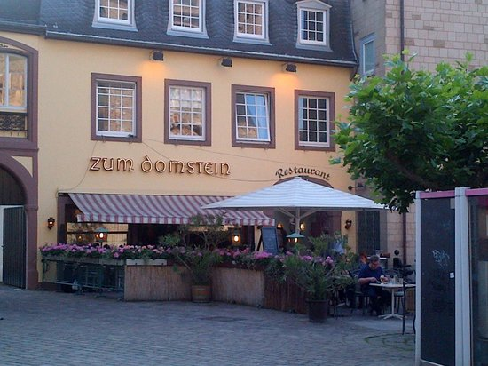 Zum Domstein : Outside space of Domstein