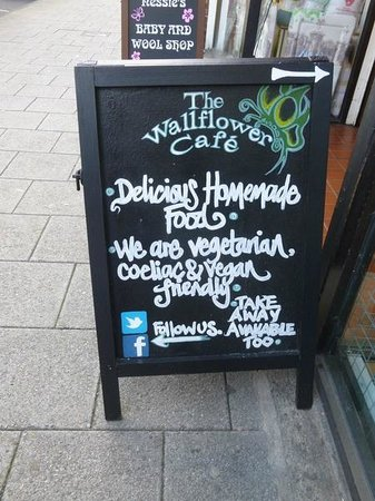 The Wallflower Cafe: Board on main road