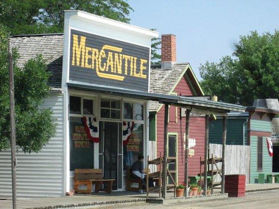 Stuhr Museum of the Prairie Pioneer: Mercantile store