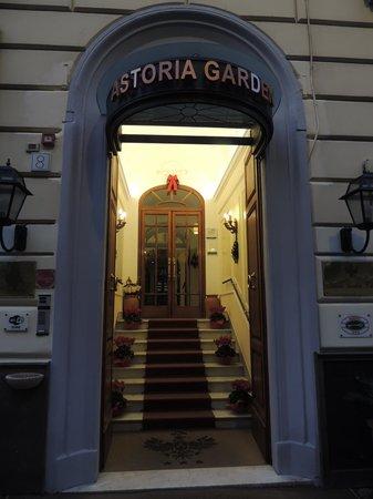 Astoria Garden: Fachada