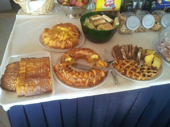 Albergo Aquila: Le torte della colazione fatte in casa!!!