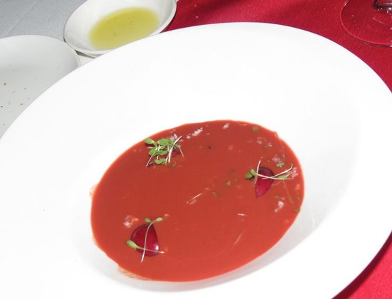 Restaurant Martin by Martin Berasategui: Fresh cherry seasoned Gazpacho