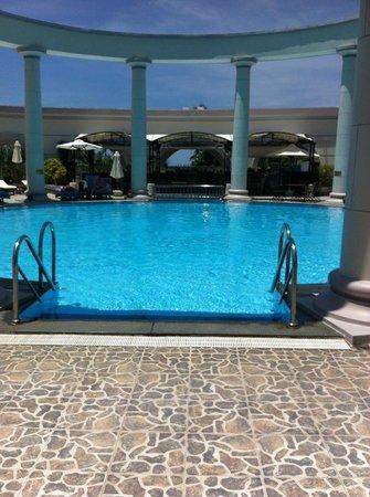 Sunrise Nha Trang Beach Hotel & Spa: Бассейн