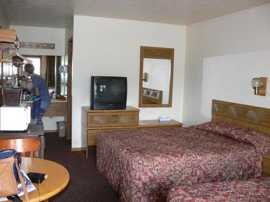 Flat Creek Inn : Our room