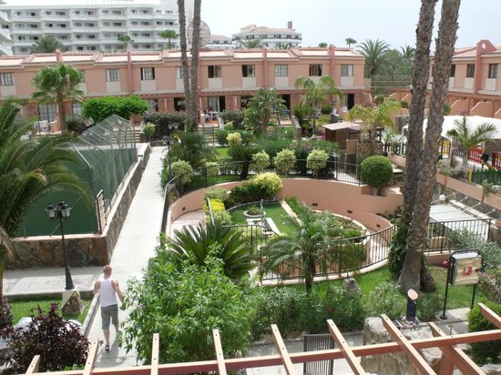 Hotel grounds picture of jardin del sol apartments for Jardin de sol