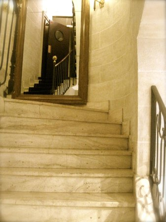 Hotel Saint Germain : Stairwell