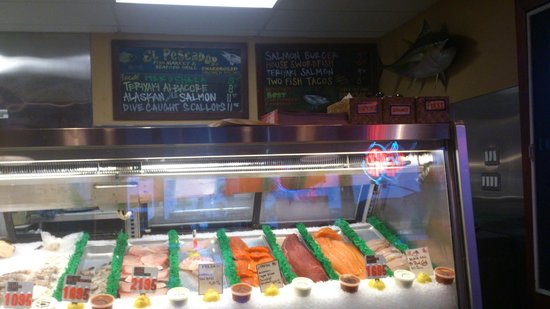 El Pescador Fish Market: The fresh fish counter and the menu
