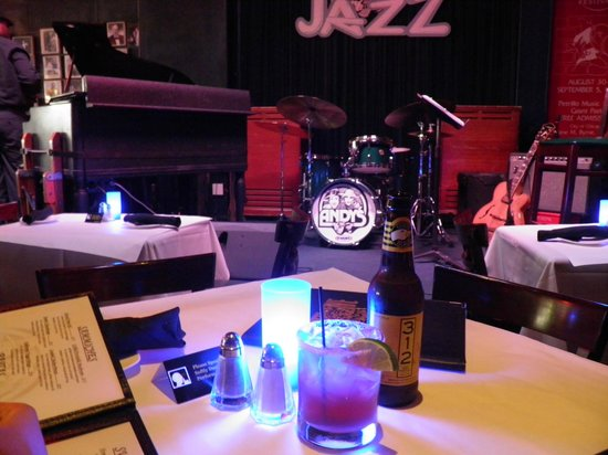 Andy's Jazz Club: Music, beer and margarita !