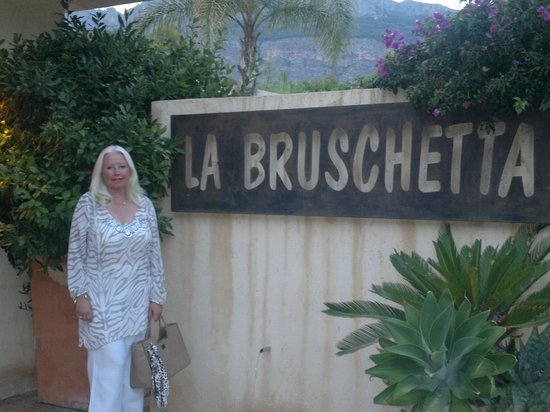 Entree La Bruschetta
