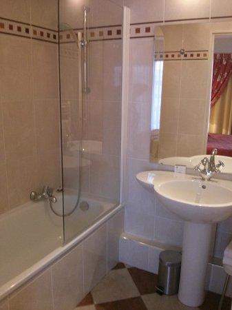 Hotel Charlemagne : Baño