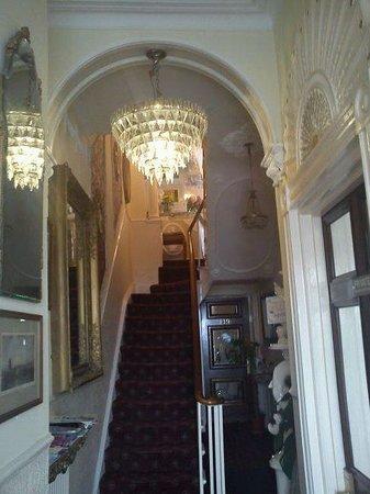 Prince Regent Hotel: The entrance