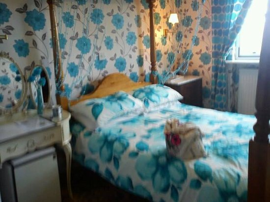 Prince Regent Hotel: The sea-blue room