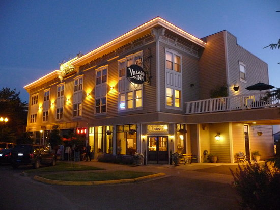 Fairhaven Village Inn - Summer Dusk