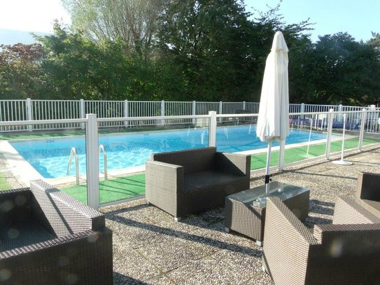 Seynod, France: Piscina do Hotel