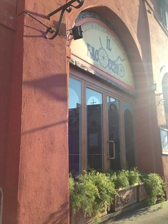 Il Facocchio: Main entrance