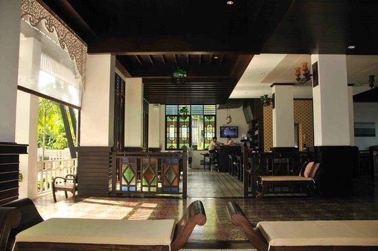Dee Andaman Hotel: Lobby