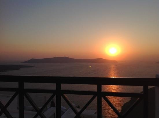Santorini Reflexions Volcano: Gorgeous sunset from the terrace