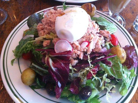 Granola: niçoise salad