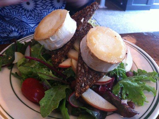 Granola: chevre salad