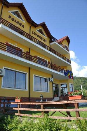Pension Poiana Izvorului: Hotel building