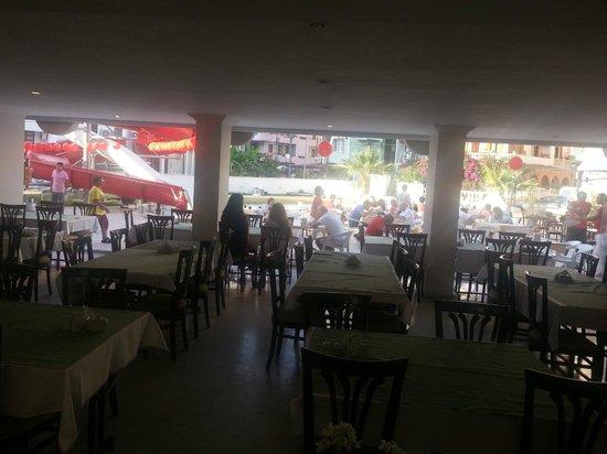 Hotel Letoon : an der Pool Restorant