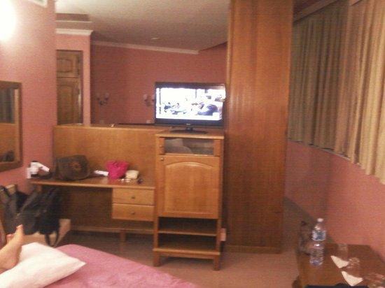 Le Cristal Hotel: vu a partir du lit double