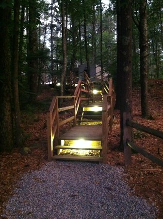 Whispering Pines Campground: path to sites