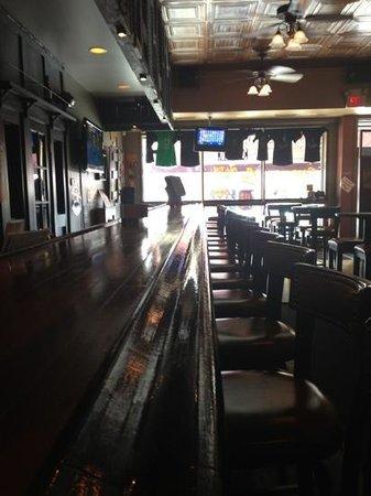Lake Street Tavern