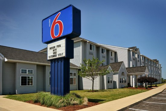 Motel 6 Sandusky-Huron: Front of Building