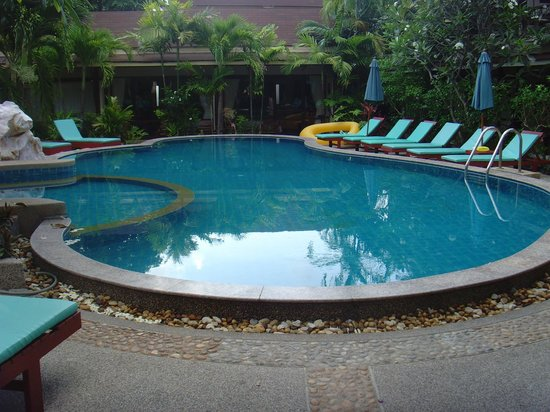Grand Thai House Resort : piscine de l hotel