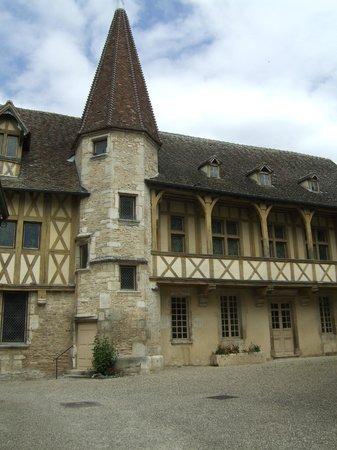 Musée du Vin de Bourgogne : One of the ancient buildings which forms part of the museum