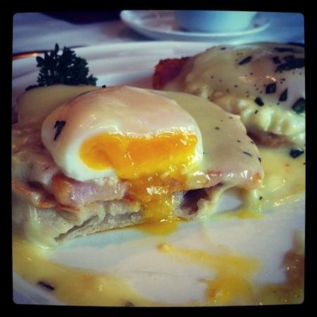 Acres on the Lake Bed and Breakfast: breakfast day 3- perfectly cooked eggs Benedict