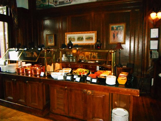 The Bengal Lounge: Indian Buffet