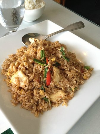 Basil Thai Cuisine: Thai Basil Fried brown rice with Chicken