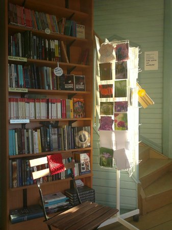 Tahtitornin kahvila: They sell books in cafe