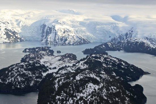 Sound Aviation Flightseeing: Sun kissed mountains