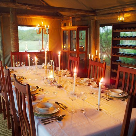 Rhino Walking Safaris at Plains Camp: Dining area