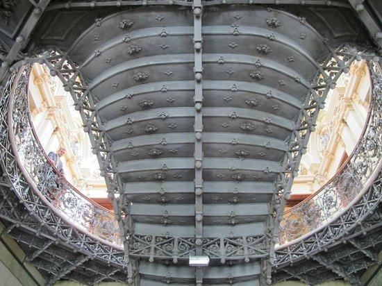 Palácio da Liberdade: Imperiosa escadaria