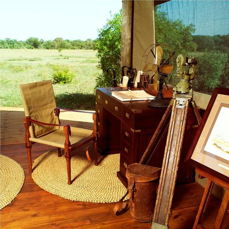 Rhino Walking Safaris at Plains Camp: Elegantly furnished