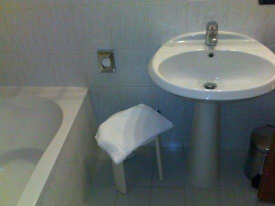 Hotel Fenice: Vasca a lavandino