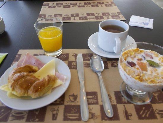 Amerian Carlos Paz Apart & Suites: Desayuno