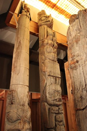 Totem Heritage Center: Older totems