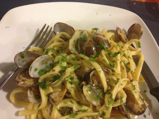 Enoteca Gustavino : Spaghetti with clams