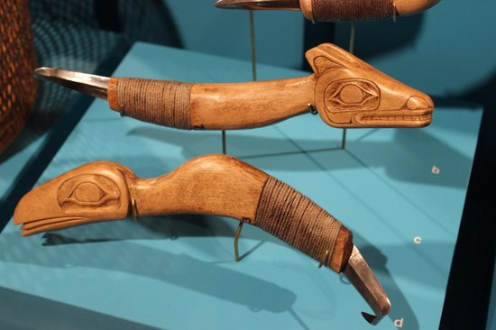 Totem Heritage Center: Carving knives
