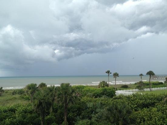 Discovery Beach Resort : looking from room 314 toward the Cocoa Beach Pier as a thunderstorm rolls in.