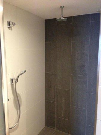 Hotel De Beurs: Grosse Dusche