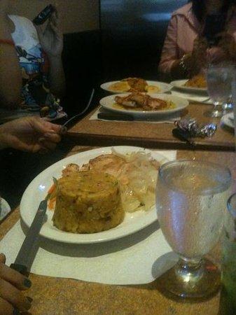 Metropol Restaurant : mofongo!!